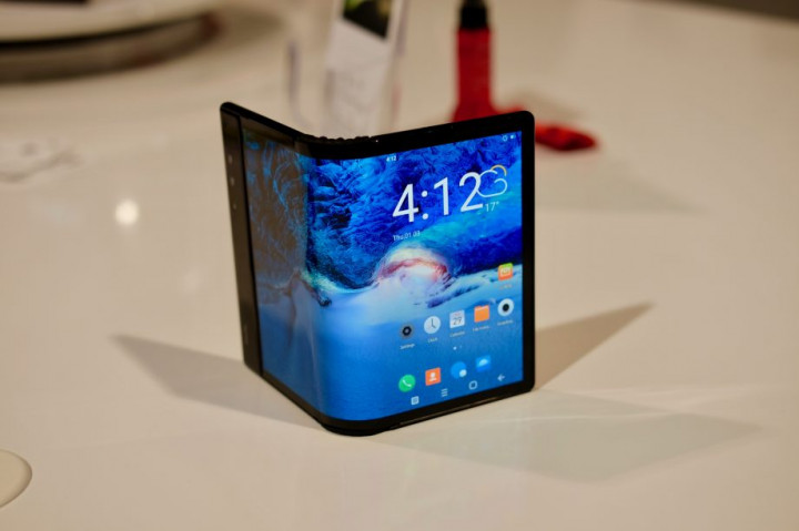 Иконка Ряды гибких смартфонов пополнит разработка комп...